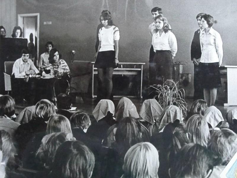 конкурс агитбригад в СССР, конкурс школьных агитбригад