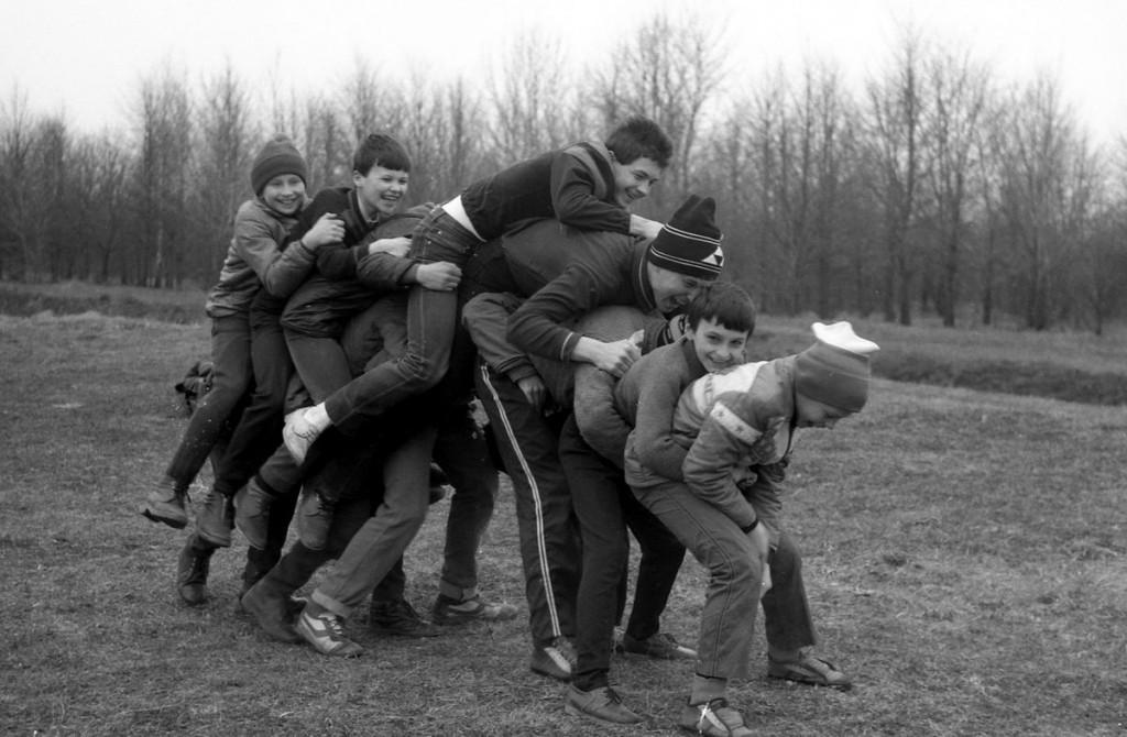 Игры времен СССР, классики, догонялки, в слона, в картошку