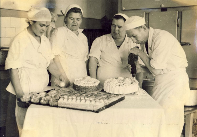 торт в СССР, советские торты, торт в Советском Союзе, торт Киевский, торт Сказка, торт Прага, торт Птичье молоко