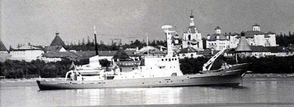2000 год гидрографическое судно «Николай Коломейцев»