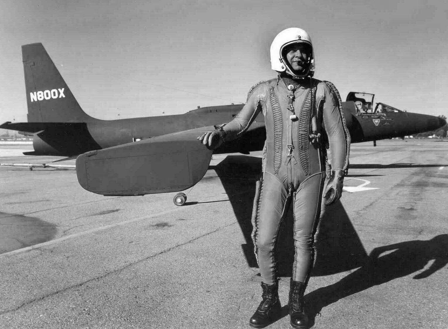 У-2 «Локхид», операция «Оверфлай» («Перелет»), френсис Пауэрс, самолет-разведчик